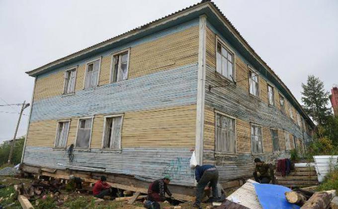 Дом на ул. Ямальской, 11 в Салехарде