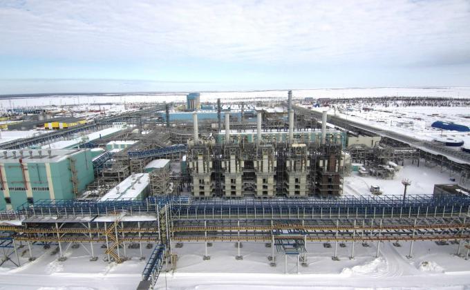 ФНС ЯНАО выбивает из «Газпрома Новоуренгойского газохимического комплекса» 368 миллионов на фоне интереса «СИБУРа»