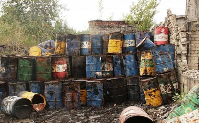 Путин отправил на зачистку рынка опасных отходов Генпрокуратуру и ФСБ