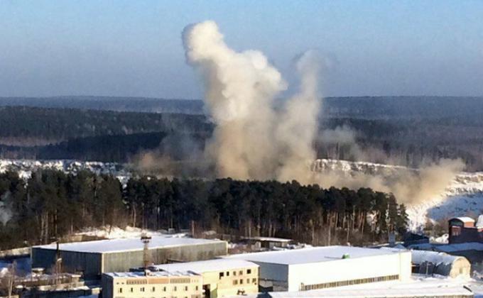 Губернатору Куйвашеву жалуются на взрывы в Екатеринбурге