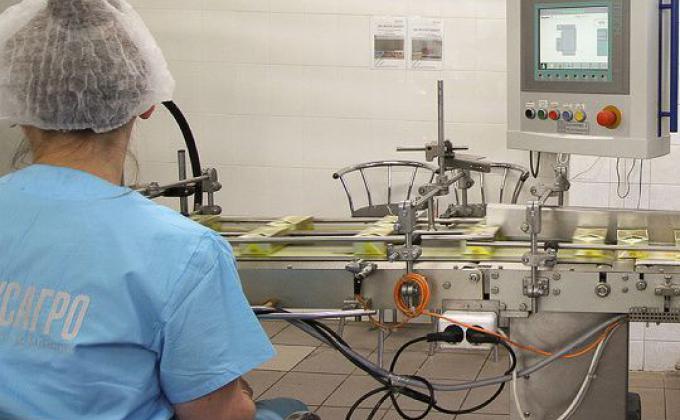 Производство ЕЖК назвали опасным для потребителей. В цехе нашли гельминтов