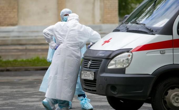 В больницах Екатеринбурга вскрывают серые финансовые схемы