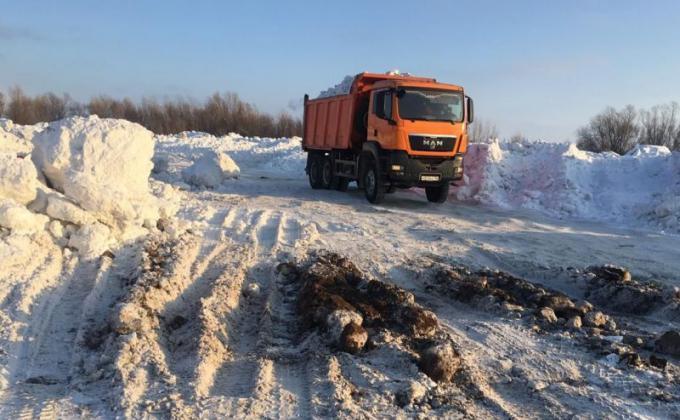 Чиновников Сургута обвиняют в создании нелегальных снежных полигонов