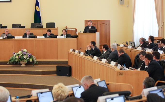 Бюджет Тюменской области расколол парламент