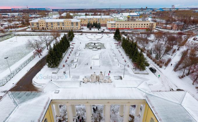 обновленная Дворцовая площадь в Верхней Салде