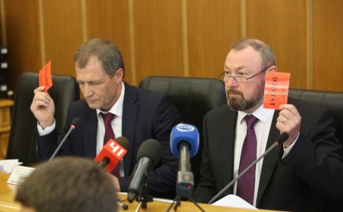 Председатель гордумы Екатеринбурга Игорь Володин и зампредседателя гордумы Виктор Тестов