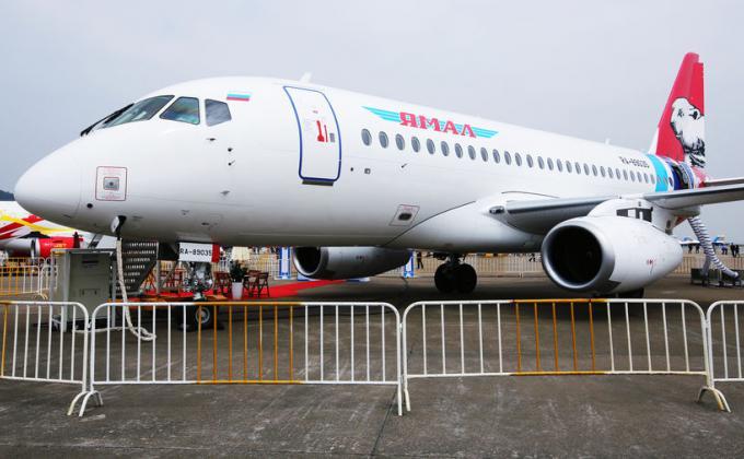 Авиакомпания «Ямал» теряет миллионы долларов из-за проблем в структуре «Ростеха». SSJ-100 отнимут у компании полмиллиарда