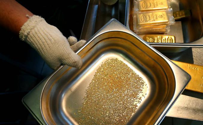 Уралнедра отдают тонны золота компаниям без опыта