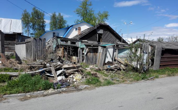 Жителей Ханты-Мансийска выселяют на улицу