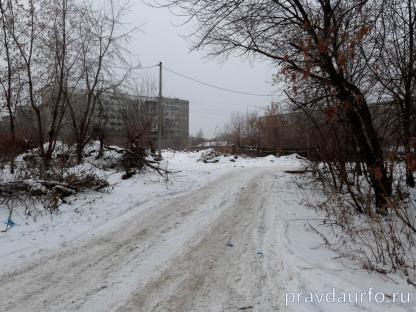 пустырь на ул. Советской в Екатеринбурге, на котором планируется построить школу