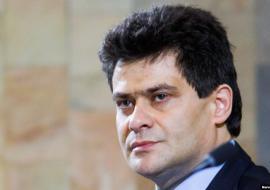 Глава Екатеринбурга уволил ответственных за отопительный сезон и благоустройство сквера за Оперным театром