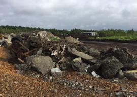 Под Сургутом нашли свалку опасных отходов