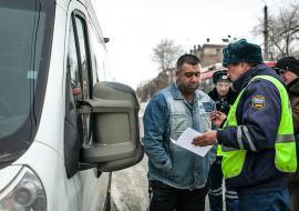 В УрФО объявили охоту на мигрантов из-за протестов в Якутске
