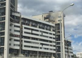 В Екатеринбурге горит многоэтажка