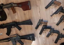ФСБ задержала ОПГ по торговле оружием в Свердловской области