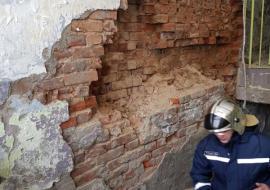 В Тюмени обрушилась стена жилого дома