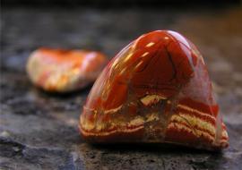 «СибНАЦ» продал коллекцию драгоценных камней из-за долгов