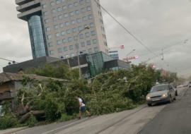 На Свердловскую область снова надвигается ураган