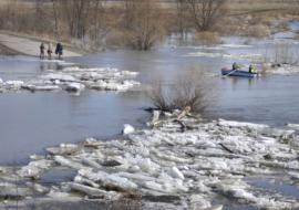 Власти ЯНАО заявили об угрозе затопления четырех населенных пунктов