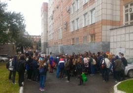 В Челябинске эвакуируют школы и детские сады