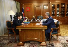 Встреча вице-премьера Виталия Мутко, курирующего вопросы строительства, и губернатора ЯНАО Дмитрия Артюхова