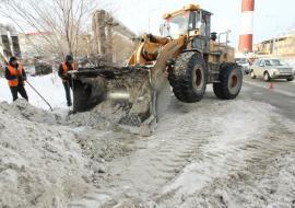 В Челябинске на ликвидацию последствий снегопада бросили 14 колонн спецтехники