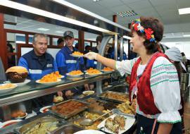 Россельхознадзор уличил «Газпром-питание» в снабжении месторождений просроченным продовольствием
