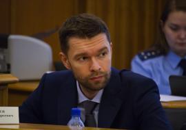 Депутат Вихарев потребовал от полиции и Росгвардии пресечь поджоги домов на Уралмаше