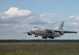 Дубровский обсудил развитие авиасообщения с Астаной
