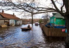 Власти Сургута призвали население готовиться к наводнению