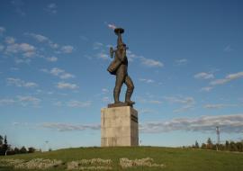 Мэр Нижневартовска поторопил подрядчиков реконструкции главного монумента города