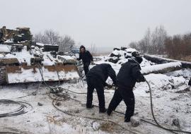 Военнослужащие ЦВО займутся спасением затонувшего в Екатеринбурге экскаватора