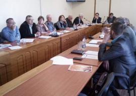 Дума Богдановича в третий раз отменяет выборы главы