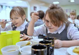 Прокуратура начала проверку питания в школах Каменска-Уральского