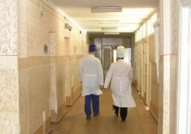 Челябинские медики массово жалуются на рост нагрузки и сокращение зарплат