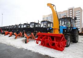 Текслеру показали 300 новых машин для уборки снега в Челябинске