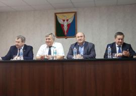 Жители 400 домов пожаловались челябинскому вице-губернатору Голицыну на отсутствие газа