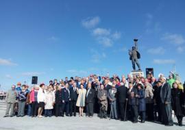 Комарова открыла главный монумент Нижневартовска