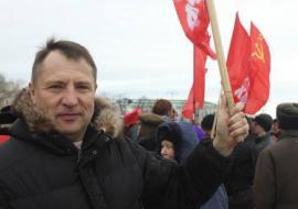 Депутату ЗакСО от КПРФ Вегнеру предложили «заняться кирпичами»
