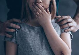 В ЯНАО арестовали обвиняемого в изнасиловании школьницы педофила