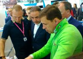 Куйвашев представил «ИННОПРОМ» замглавы Минпромторга РФ Каламанову