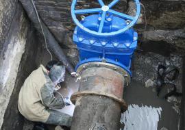 В двух районах Кургана отключили воду из-за аварий