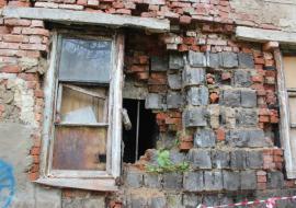 Прокуратура заставляет челябинских чиновников расселить аварийные бараки в Симе