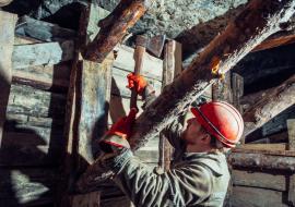 Малышевский рудник отказался от остановки добычи