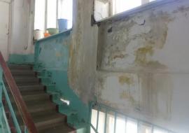 Минздрав отчитался о сроках ремонта аварийной больницы в свердловском поселке