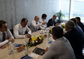 Дубровский подключится к сбыту продукции автозавода «Урал» в Казахстане