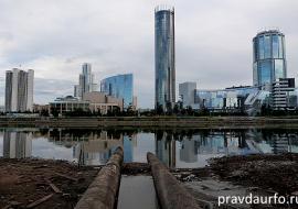 В центре Екатеринбурга у городского пруда нашли труп
