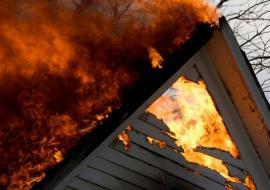 СКР по Курганской области начал проверку после гибели троих человек в пожаре