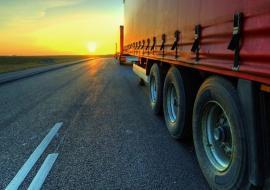 На трассах Челябинской и Курганской областей закрыли движение для фур