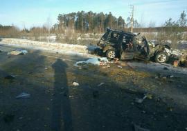 Три человека погибло в ДТП с фурой и трактором под Сургутом